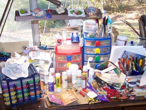 what-a-messy-desk-r