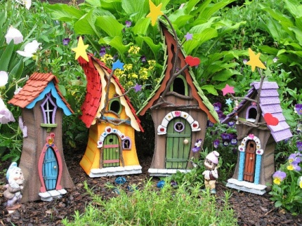fairy-garden-bird-house